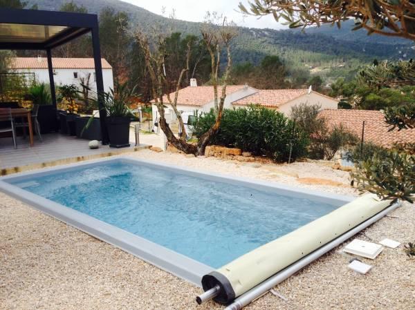 ACHETER une piscine coque polyester pas chère de moins de 10m2