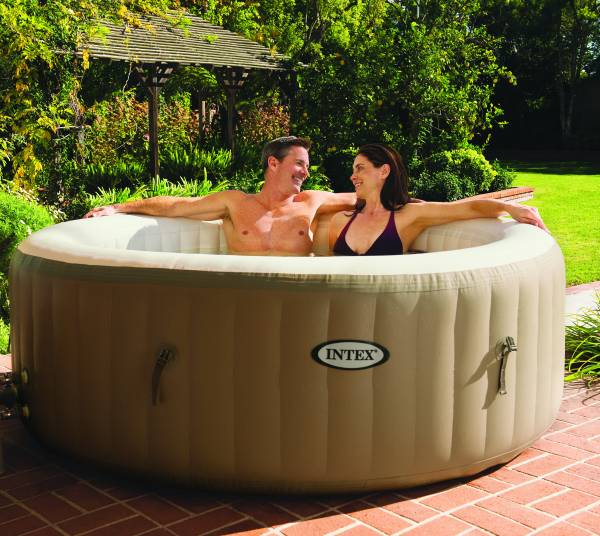SPA GONFLABLE MOD�LE INTEX PURE SPA BULLES 4 PLACES